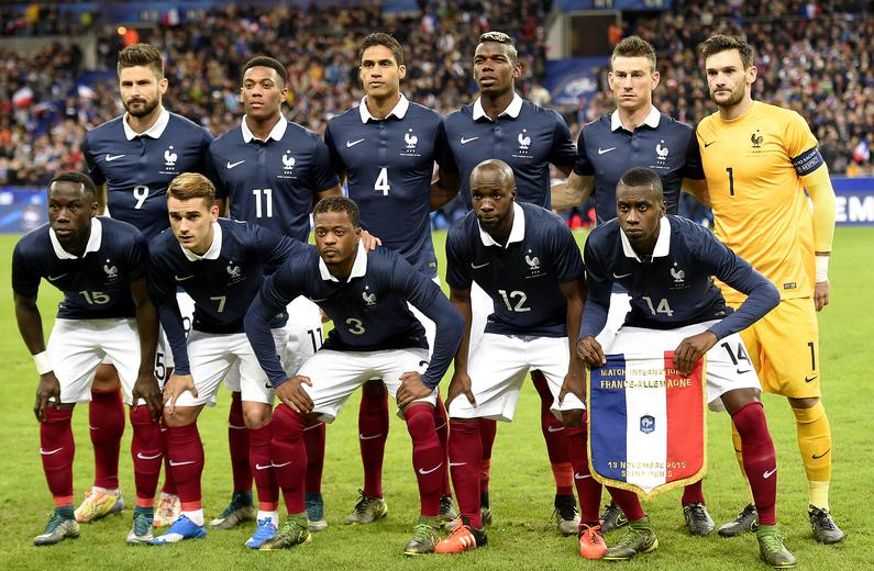 7780823300_l-equipe-de-france-le-13-novembre-2015-lors-du-match-amical-face-a-l-allemagne.jpg