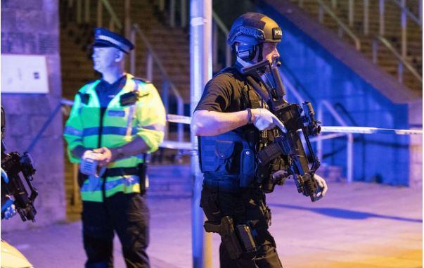 policiers-manchester.jpg