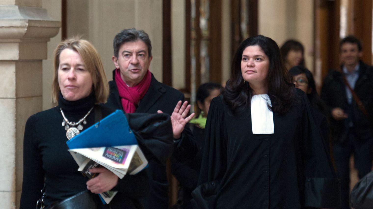 raquel-garrido-d-en-robe-d-avocate-representant-jean-luc-melenchon-c-au-tribunal-de-paris-le-6-mars-2014-dans-un-proces-intente-par-marine-le-pen-pour-injure_5961182.jpg