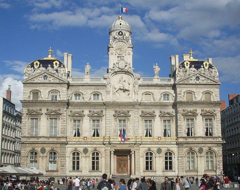 800px-FaC3A7ade_de_la_mairie_de_Lyon.jpg