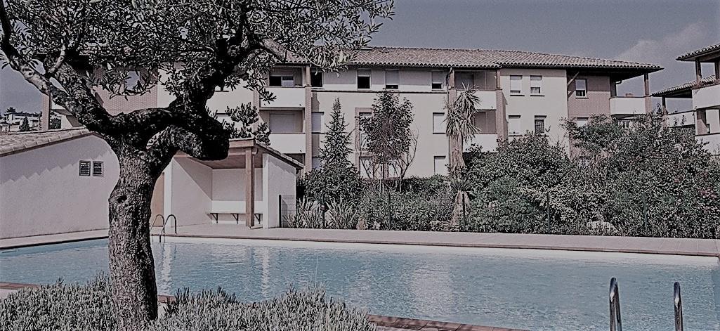 residence-piscine-1.jpg